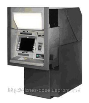 Восстановленный черезстенный банкомат NCR 5887 для работы на улице.