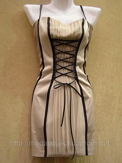 нормально ли смотрится короткое черное платье с черными колготками.